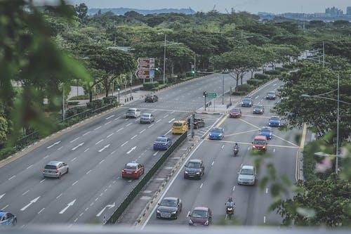 Ilmainen kuvapankkikuva tunnisteilla ajaa, asfaltti, asvaltti, autot
