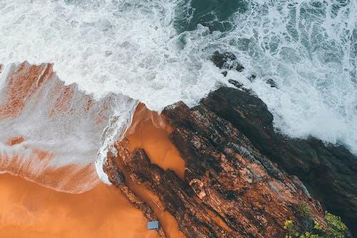 Darmowe zdjęcie z galerii z fale, fotografia z drona, lotniczy, morze