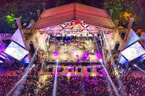 Darmowe zdjęcie z galerii z dron, etap, festiwal, indonezja