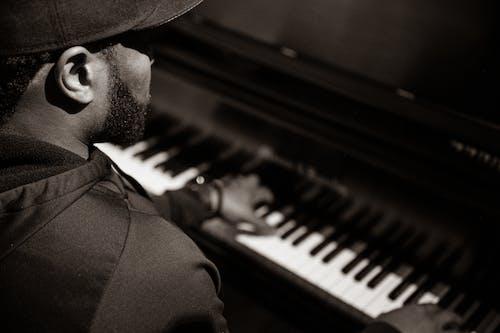 Gratis lagerfoto af instrument, klaver, mand, musiker