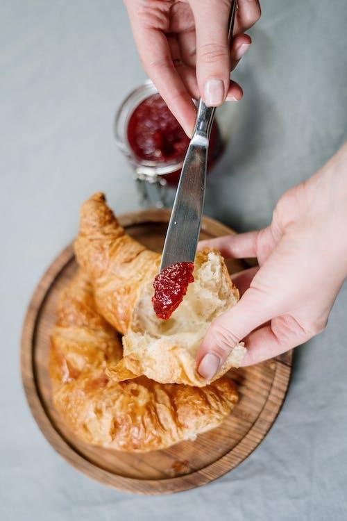 Základová fotografie zdarma na téma chleba, chutný, croissant, croissanty