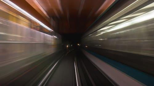 Ilmainen kuvapankkikuva tunnisteilla metro, pitkä valotusaika, suljinnopeus, suuri nopeus
