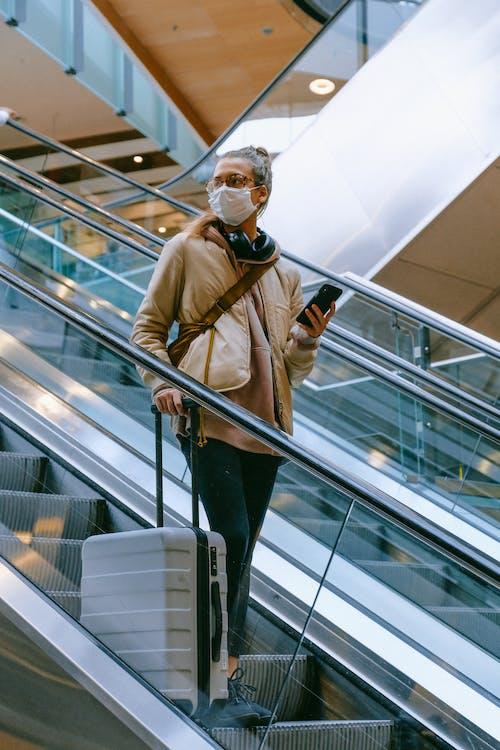 Fotos de stock gratuitas de adulto, aeropuerto, coronavirus, de viaje