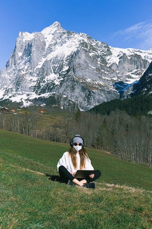 Gratis stockfoto met aan hebben, bergen, bescherming, buiten