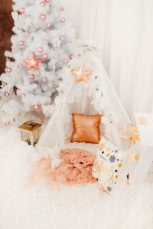 Fotos de stock gratuitas de adentro, árbol de Navidad, celebración, decoración