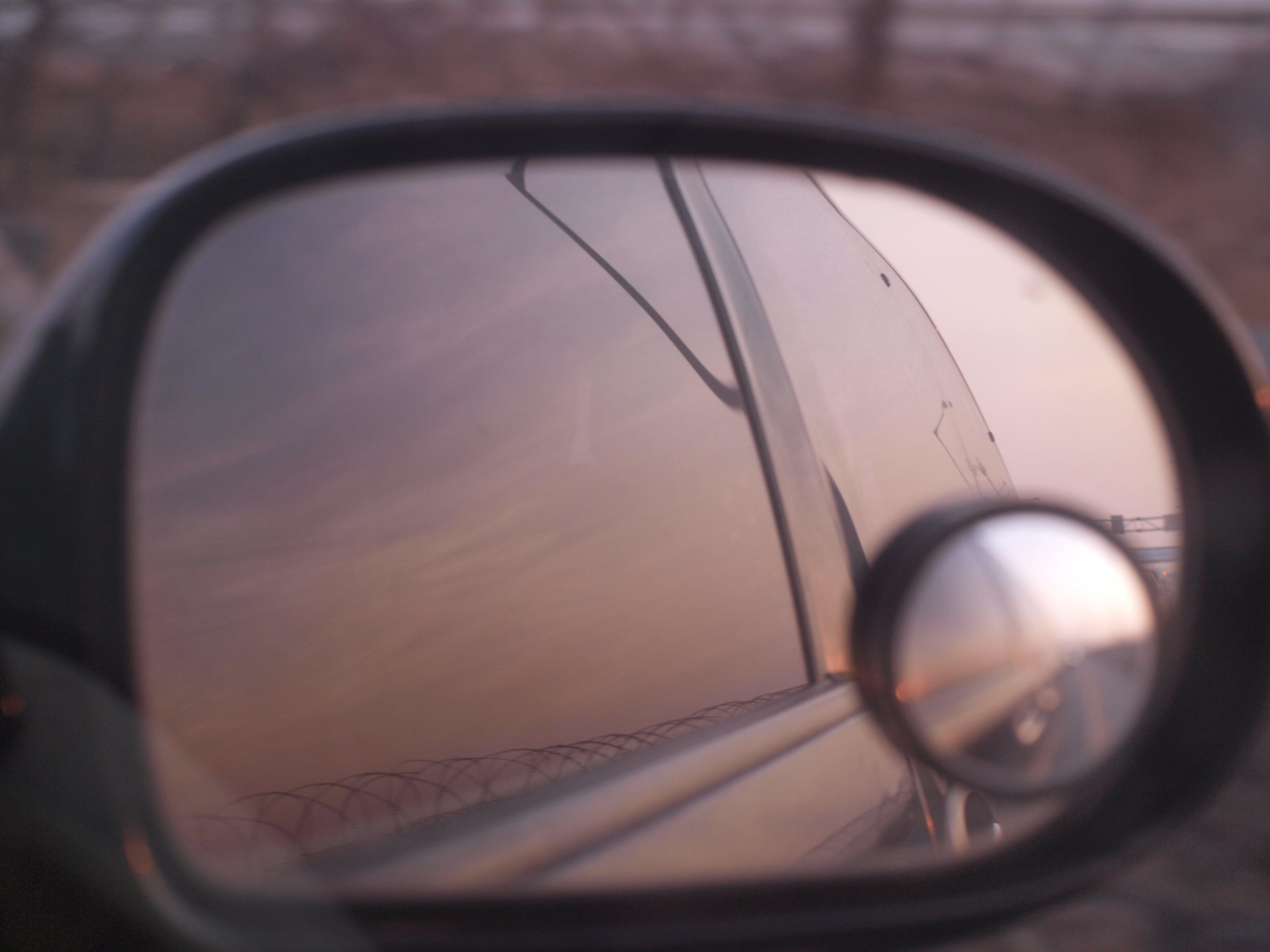 Gratis lagerfoto af bakspejl, spejl