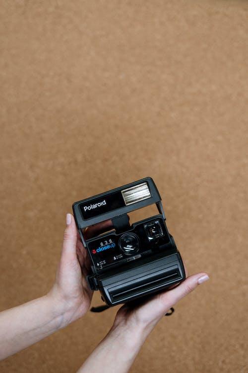 analog, analog kamera, analog kameralar, anlık içeren Ücretsiz stok fotoğraf