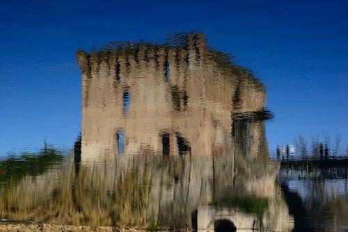 Free stock photo of medioevo, riflesso d acqua, torre