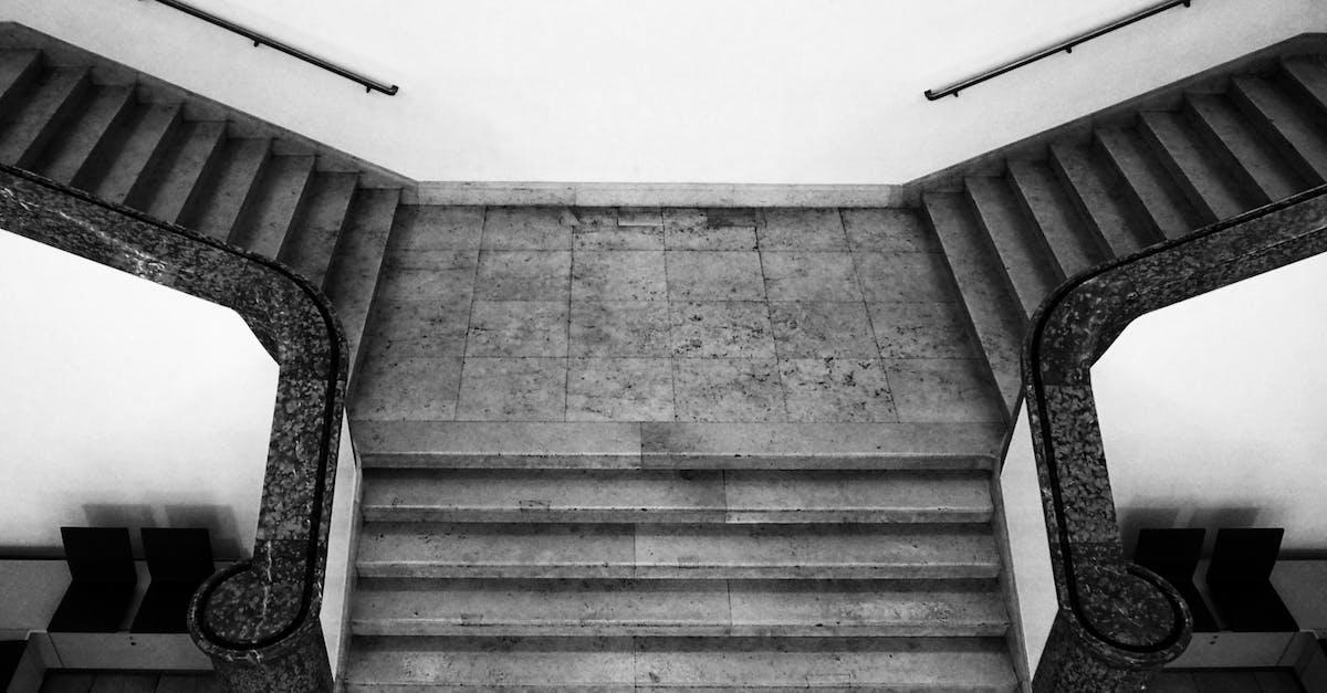 картинки лестница вверх и вниз помним