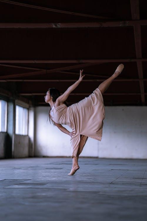 Fotobanka sbezplatnými fotkami na tému balet, človek, na špičkách, osoba