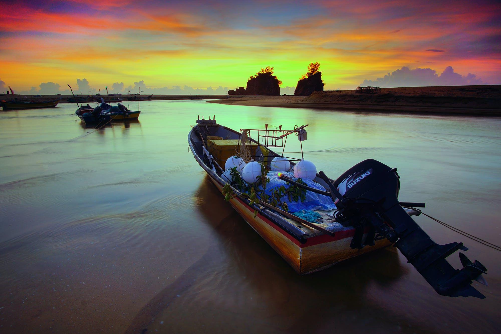 Vacant Boat