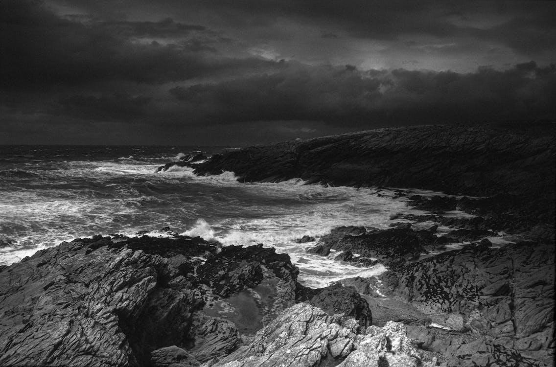donkere wolken, Frankrijk, rotsen