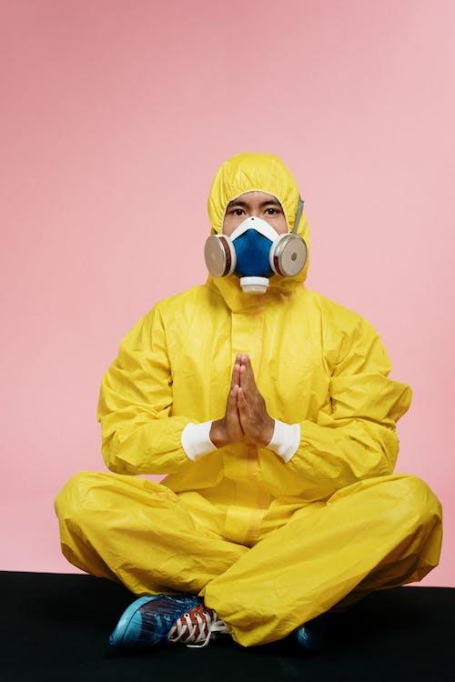 Kostenloses Stock Foto zu asiatischer mann, atmung, ausrüstung