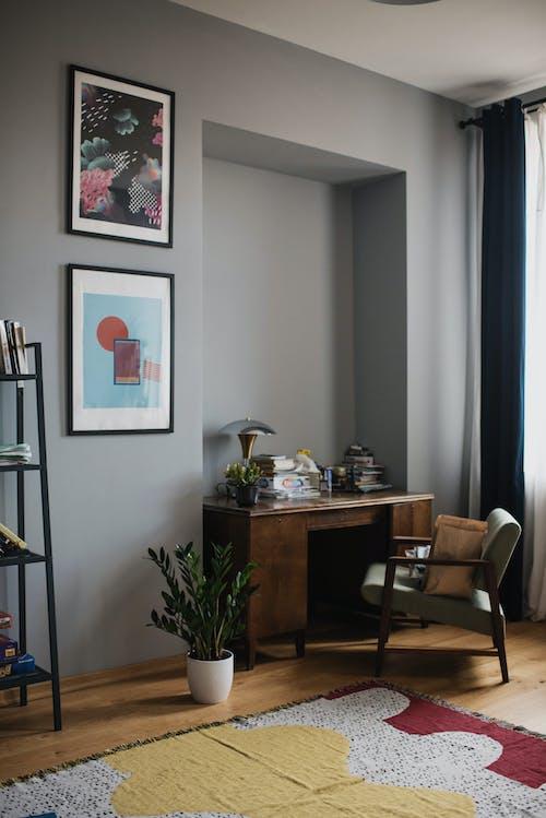 Kostenloses Stock Foto zu arbeitsbereich, arbeitsplatz, drinnen