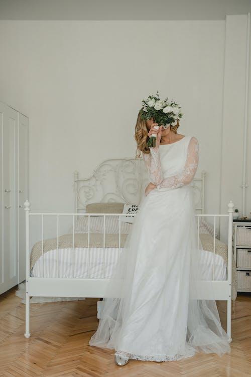 インドア, ウェディングドレス, ガウン, ドレスの無料の写真素材