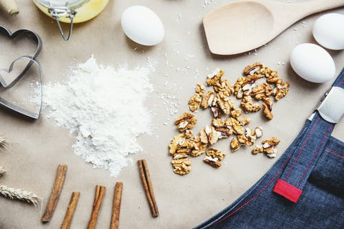 Cinnamon Sticks, Walnuts and Eggs Ingredients