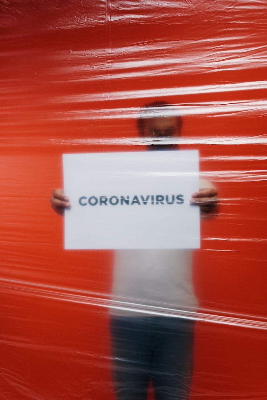 saya di karantina karena corona