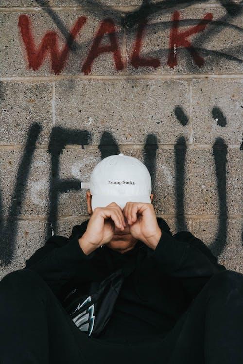 Základová fotografie zdarma na téma graffiti, muž, osoba, ulice