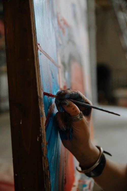 塗料, 女人, 室內, 戒指 的 免費圖庫相片