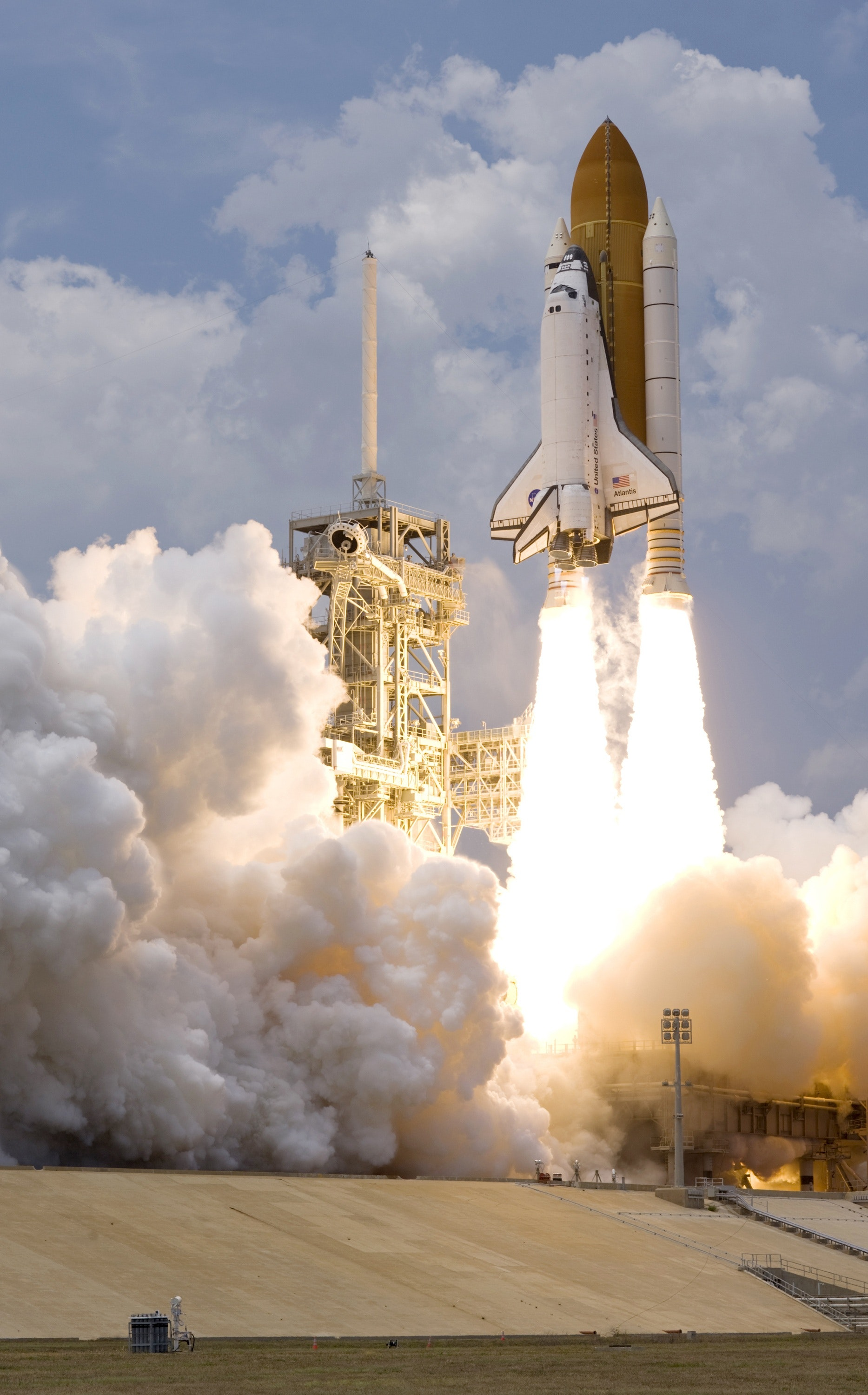 Free Stock Photo Of Cosmos Discovery Falcon 9