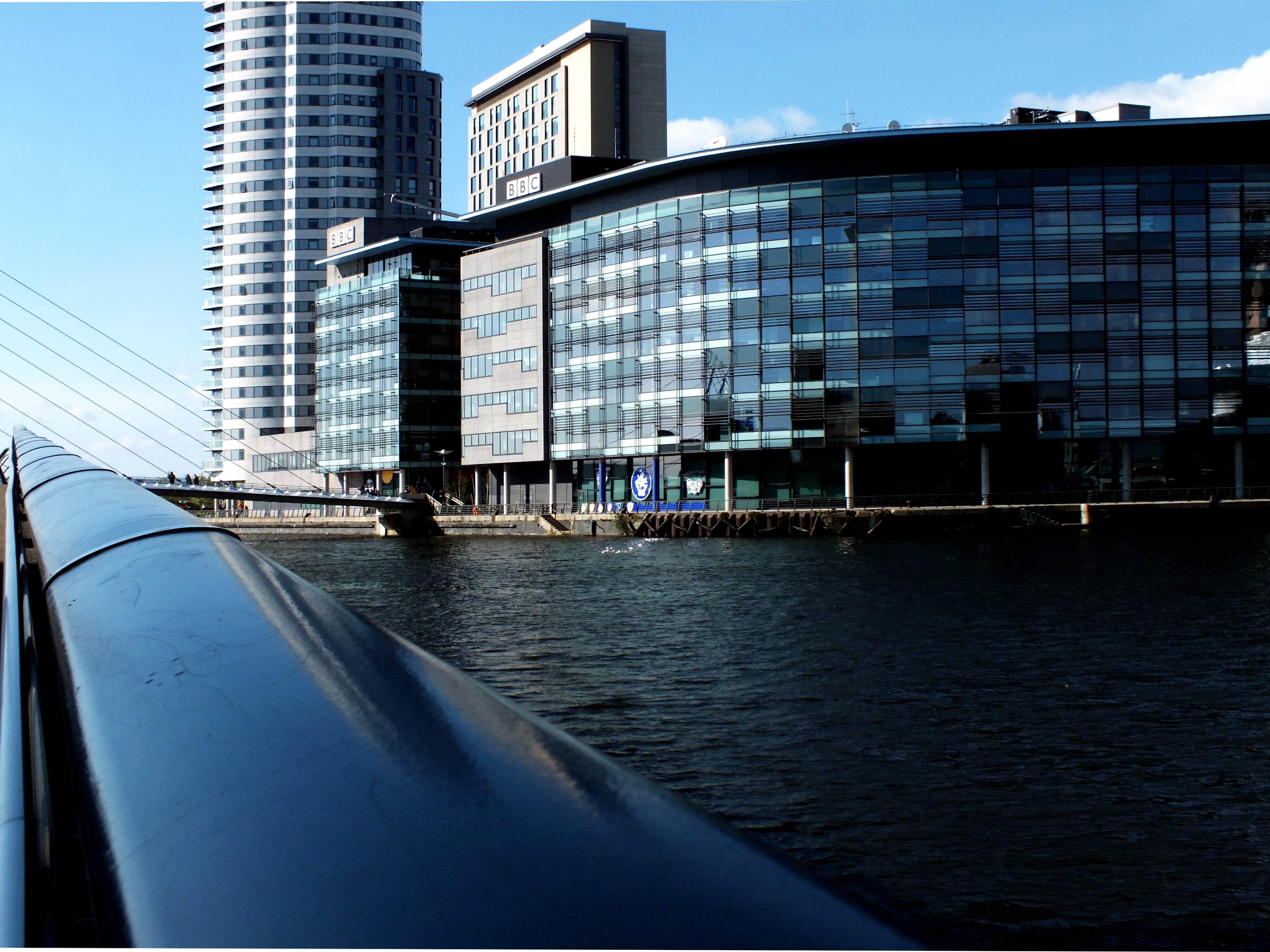 Darmowe zdjęcie z galerii z architektura, balustrady, biura, biuro