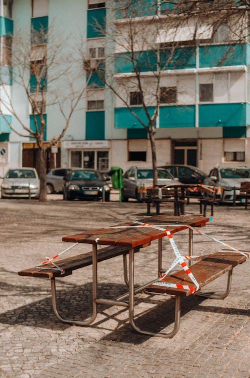 Gratis lagerfoto af barrikade, barrikade tape, bord