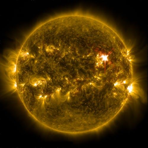 Ilmainen kuvapankkikuva tunnisteilla auringonpurkaus, aurinko, avaruus, galaksi