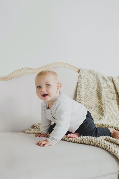 Fotobanka sbezplatnými fotkami na tému apartmán, bábätko, béžová, bezstarostný