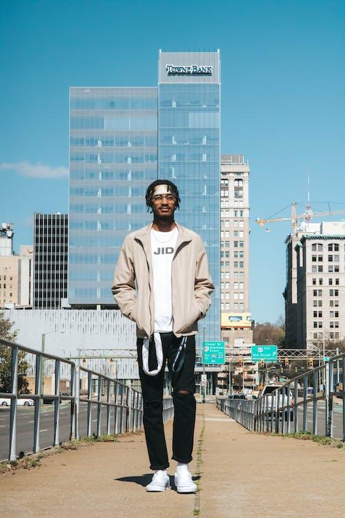 Imagine de stoc gratuită din arhitectură, balustrade, bărbat, bărbat de culoare