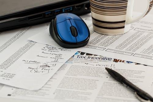 Kostenloses Stock Foto zu computer-anschluss, dokument, einnahmen, fokus