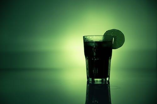 Kostnadsfri bild av alkohol, bakgrundsbelysning, citron, cocktail