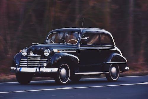 Безкоштовне стокове фото на тему «автомобіль, автомобільний, асфальт, дорога»