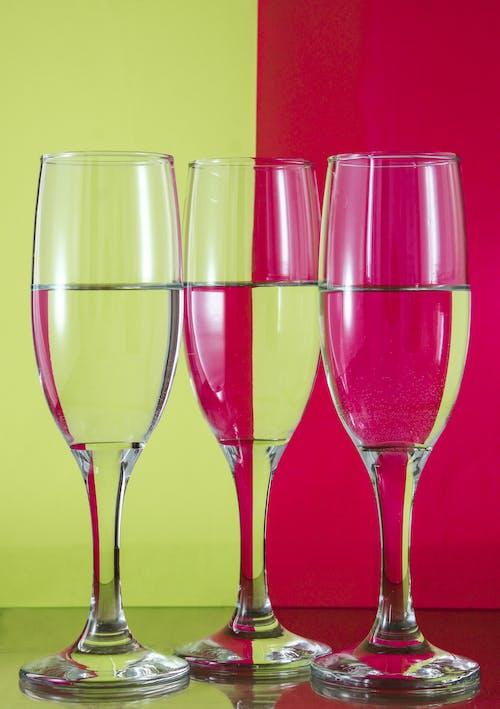 Foto profissional grátis de água, artigos de vidro, bebidas, copos de vinho