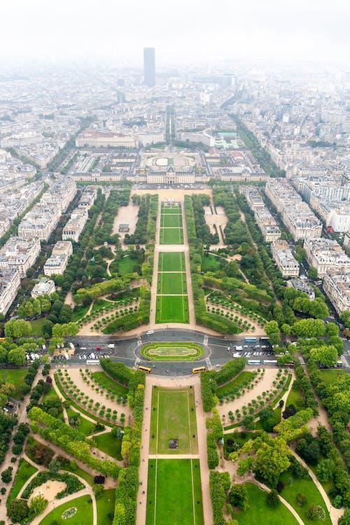 Foto profissional grátis de aéreo, arquitetura, arranha-céu, capital