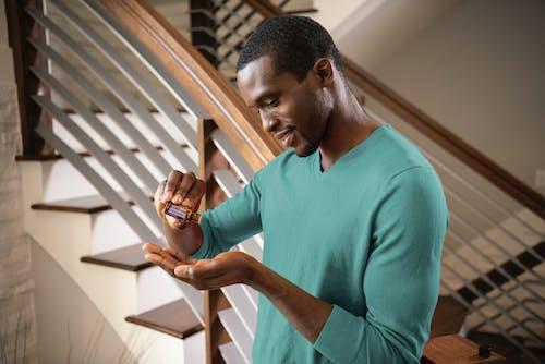 Безкоштовне стокове фото на тему «cptg масла, doterra, афроамериканський, афроамериканський чоловік»