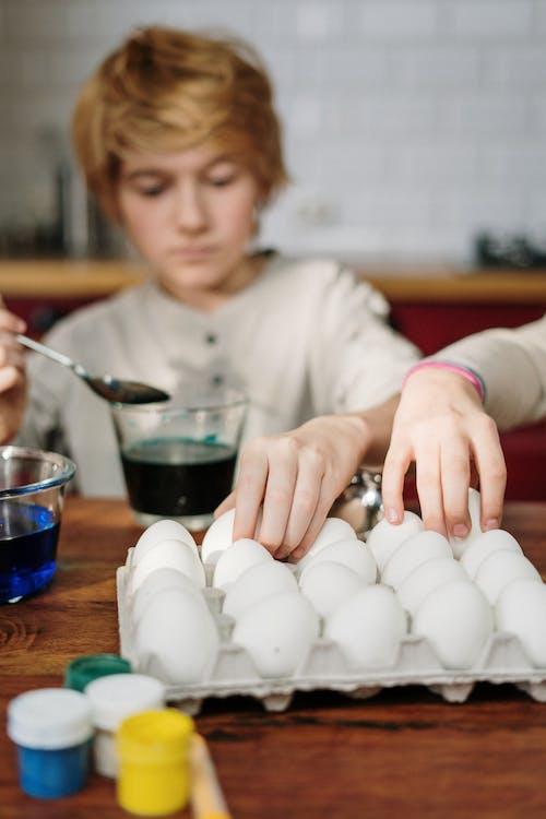 Kids Making DIY Easter Eggs