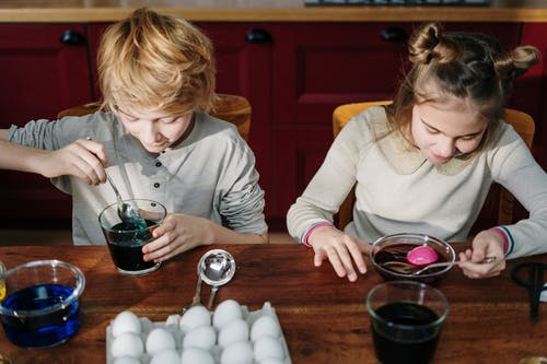 Kids Making DIY Easter Eggs