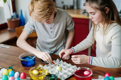 Kids Making Easter Eggs at Home