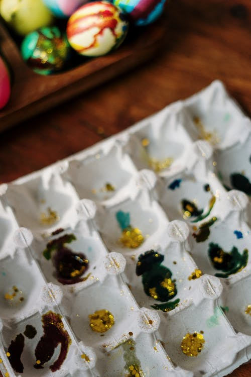 Egg Tray with Gold Glitters and Paint