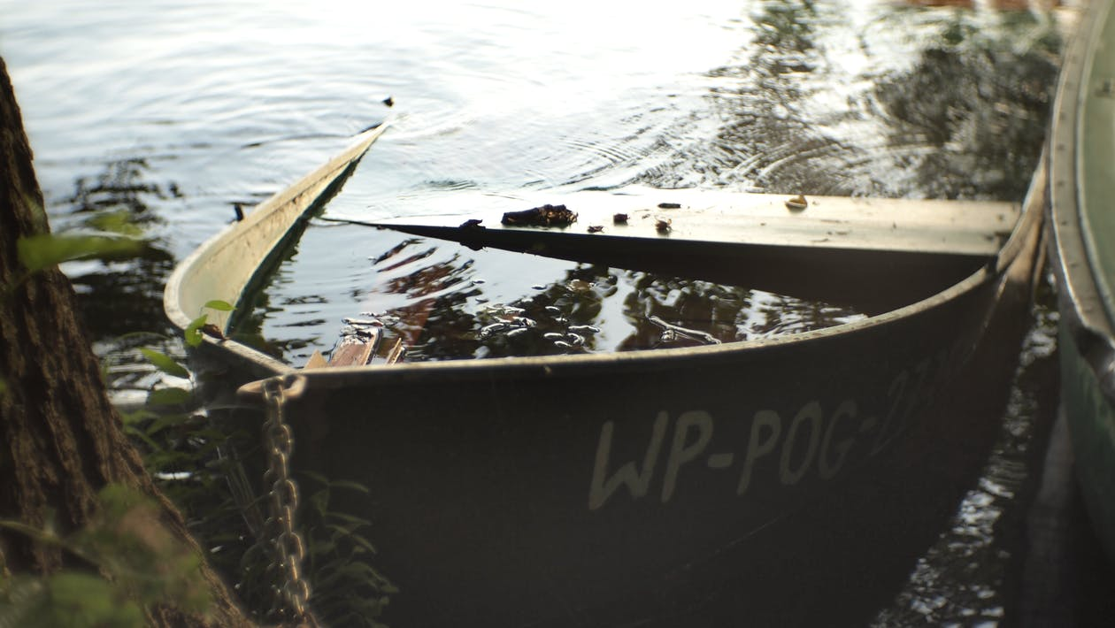 затонул, потопленная лодка, старая лодка