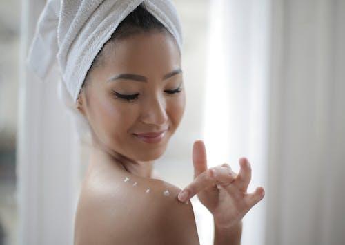乳液, 乳霜, 亞洲女人, 亞洲女性 的 免費圖庫相片