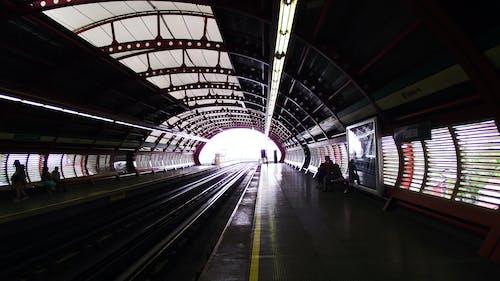 Gratis stockfoto met metro, station, treinstation