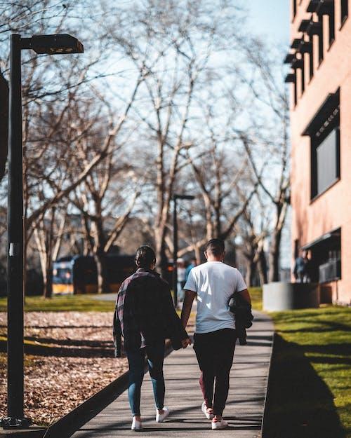 Základová fotografie zdarma na téma chůze, dvojice, láska