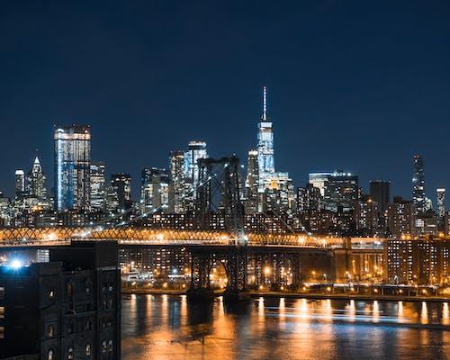 Gratis stockfoto met architectuur, avond, binnenstad