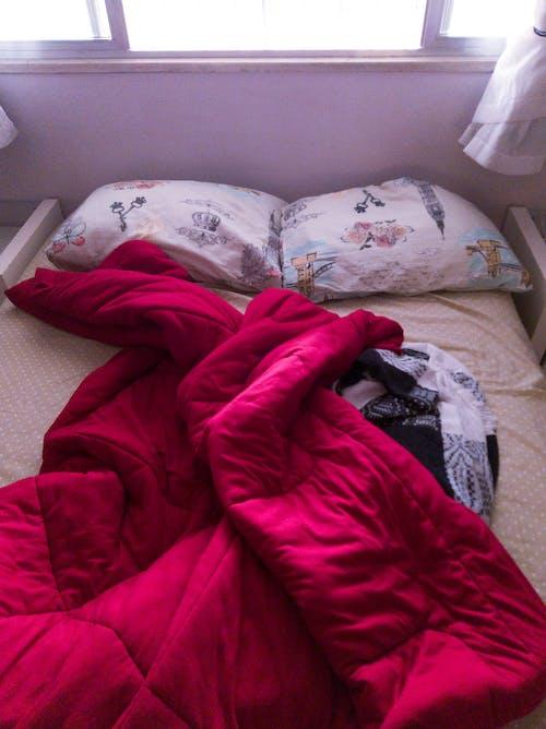 Foto stok gratis bantal, kekacauan, tempat tidur