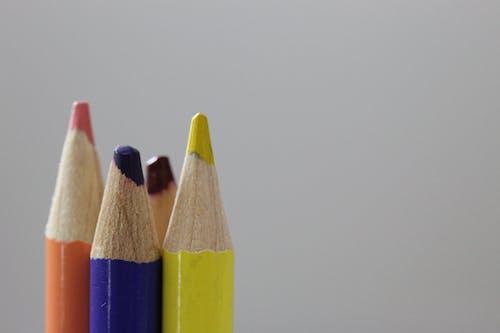 Photos gratuites de crayons de couleur