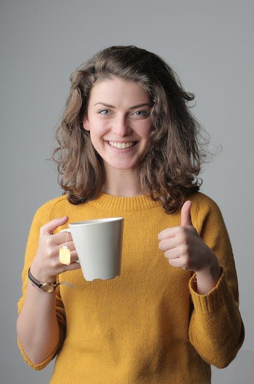 귀여운, 노란 스웨터, 도기, 도예의 무료 스톡 사진