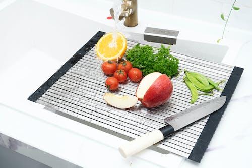 Free stock photo of cherry tomatoes, chopping board, cutting board