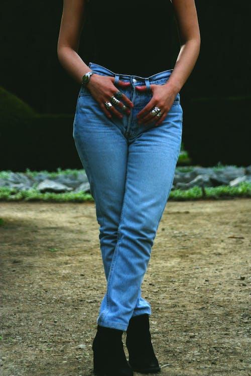 Immagine gratuita di anelli, elegante, femmina, indossare