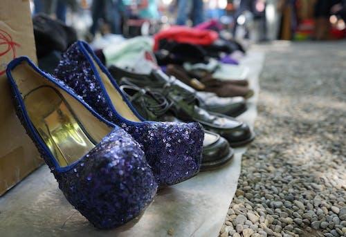 Fotobanka sbezplatnými fotkami na tému blší trh, dámska obuv, retro, vintage